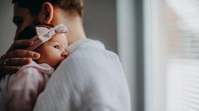 Nouveau-né : le hoquet serait lié au développement cérébral