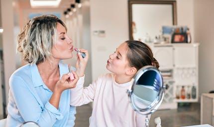 Maquillage : des superbactéries très pathogènes retrouvées dans la plupart des produits