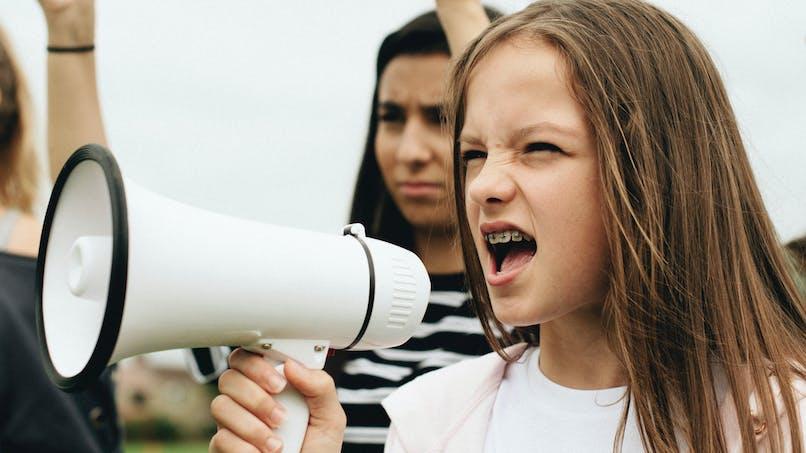 Droits LGBT : le discours poignant d'une fillette trans de 8 ans devant des politiciens espagnols