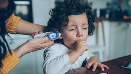 Toux grasse et toux sèche chez l'enfant : les différencier et les soigner