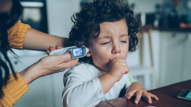 Rhume chez l'enfant : comment différencier toux grasse et toux sèche ?