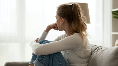 Jeune fille et dépression
