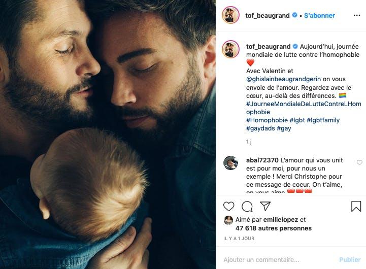 Christophe Beaugrand et son compagnon célèbre la journée contre l'homophobie avec leur petit Valentin