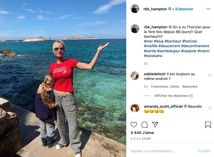 Rebecca Hampton et sa fille retrouvent enfin la mer après le confinement
