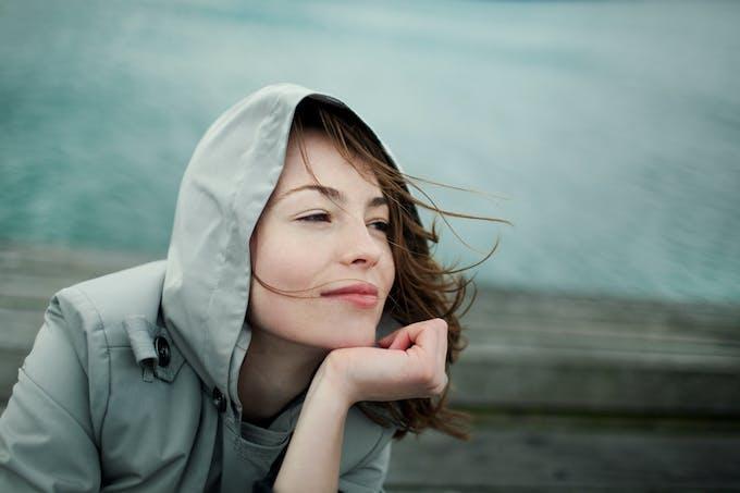 Femme qui pense