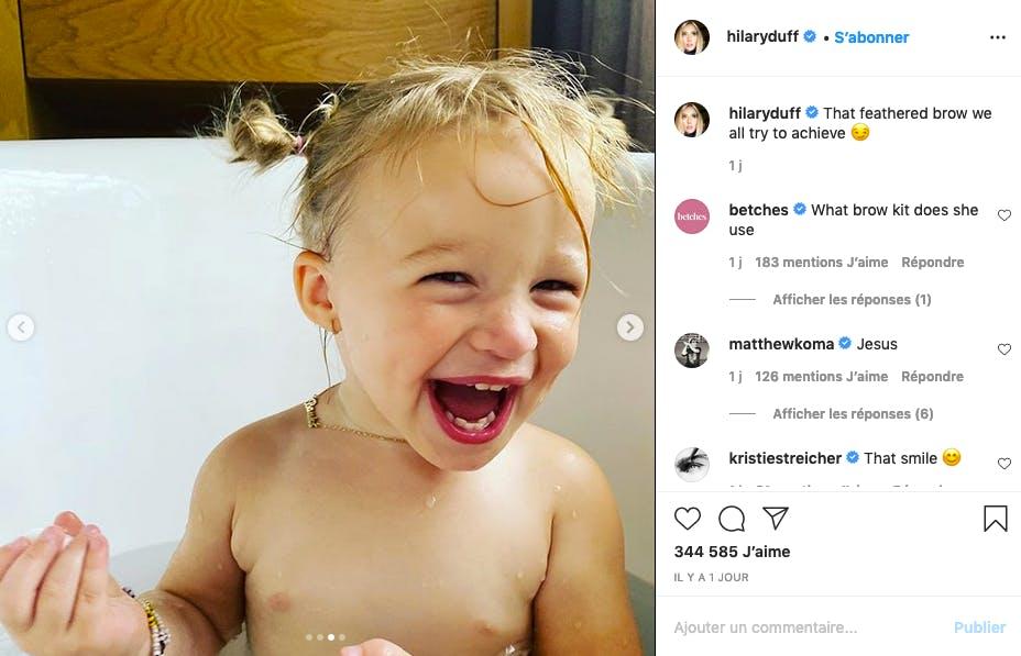 La fille d'Hilary Duff a le sourire communicatif