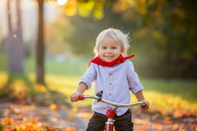 Petit Garçon à vélo