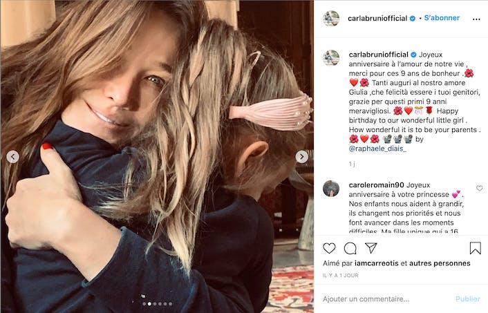 Carla Bruni tenant sa fille dans ses bras
