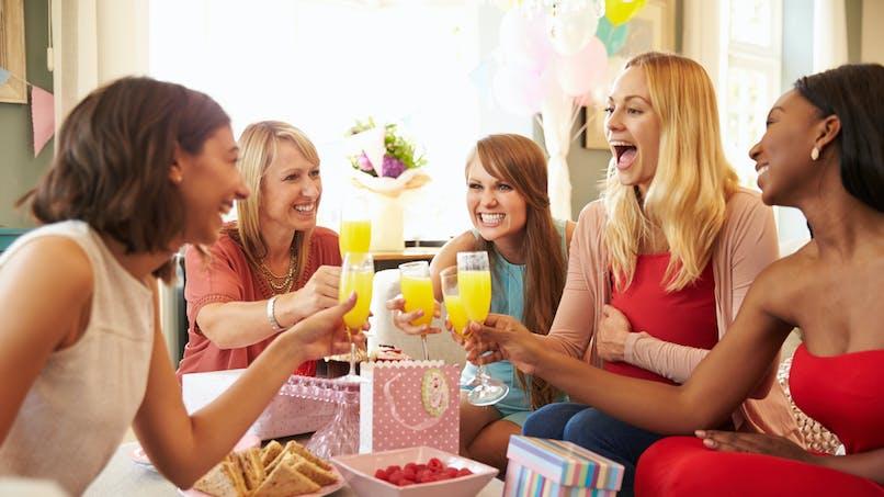 Après des problèmes d'infertilité, cinq amies tombent enceintes en même temps