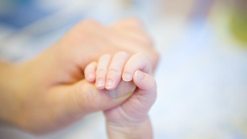 Paris : un jeune de 22 ans sauve la vie d'un bébé grâce à l'application Sauv Life