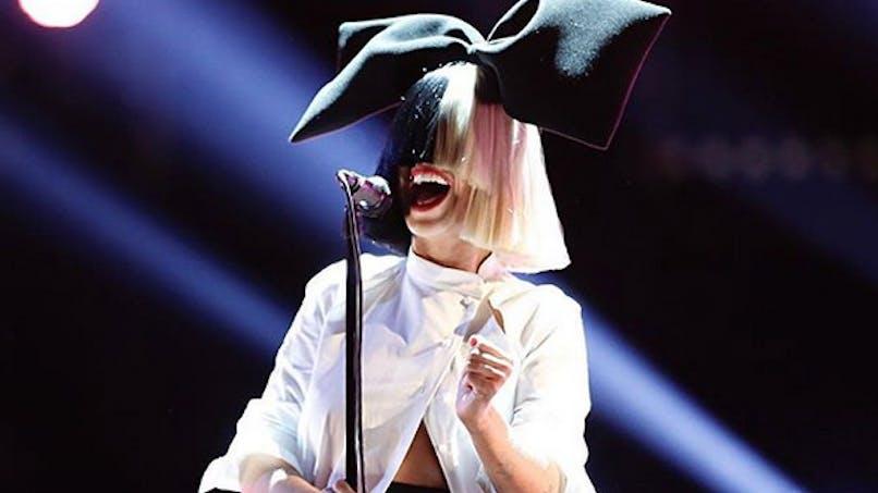 Sia maman pour la première fois : la chanteuse a adopté un enfant