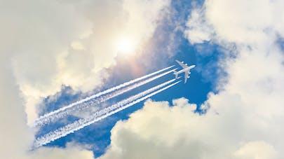 États-Unis : un avion déverse son carburant au-dessus d'une école, 17 enfants victimes d'irritations