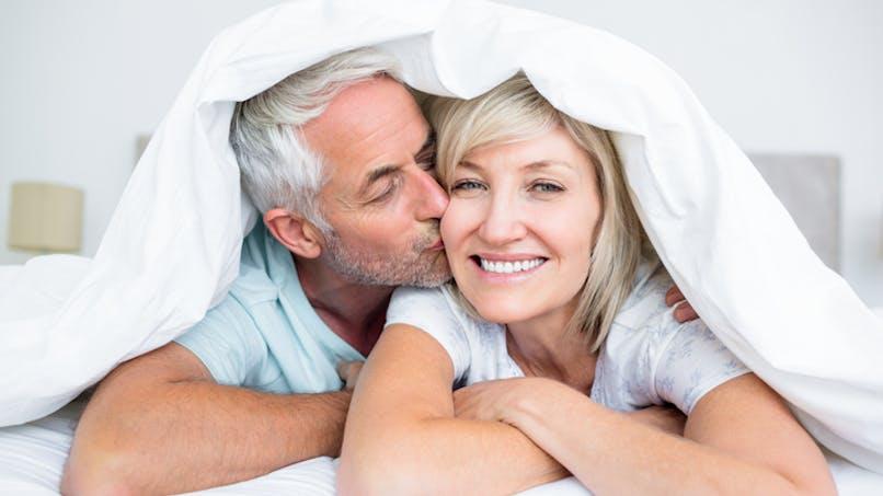 Les femmes qui ont plus de relations sexuelles peuvent entrer plus tard en ménopause