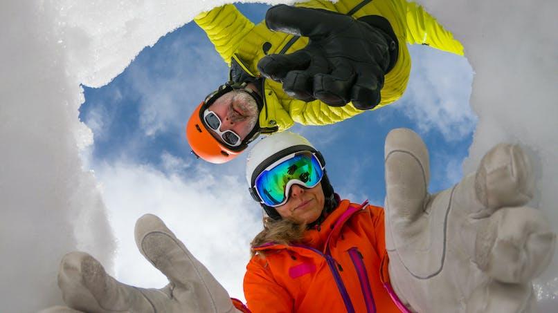 Ski : un garçon de 13 ans retrouvé enseveli sous une coulée de neige grâce à un ski qui dépassait