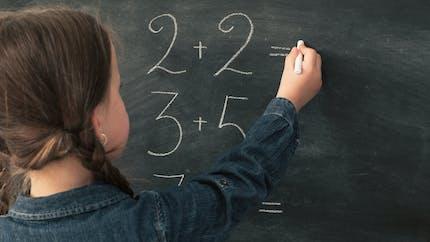 L'école aide-t-elle à devenir plus intelligent ? Une étude apporte une réponse