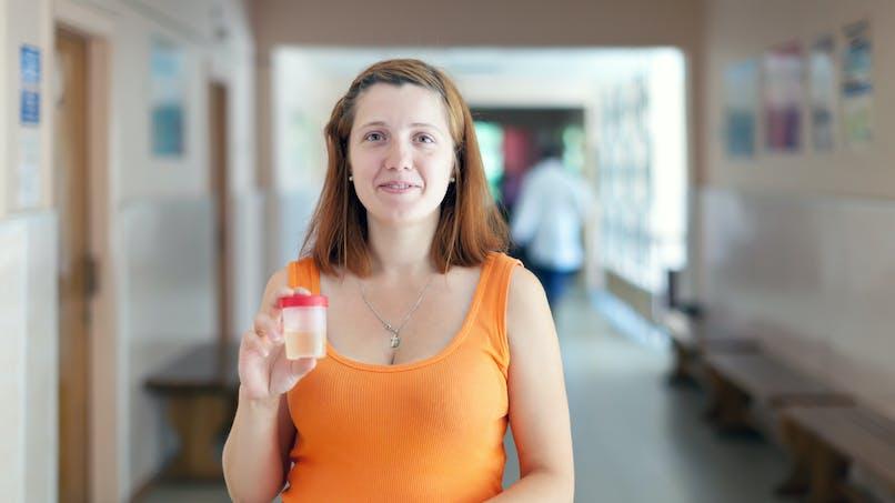 La protéinurie pendant la grossesse : tout sur cette analyse d'urine