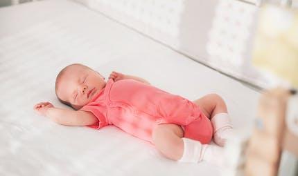Coucher bébé en sécurité : les bons réflexes au quotidien