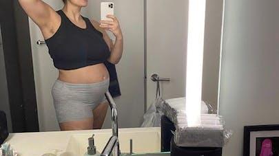 Ashley Graham brise le tabou du post-partum dans une publication Instagram