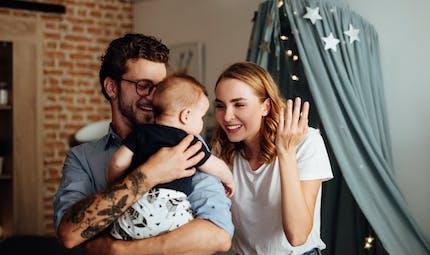 Pour aider les jeunes parents, les LaboratoiresGuigozproposent un guide gratuit «Quand Bébé va, tout va!»