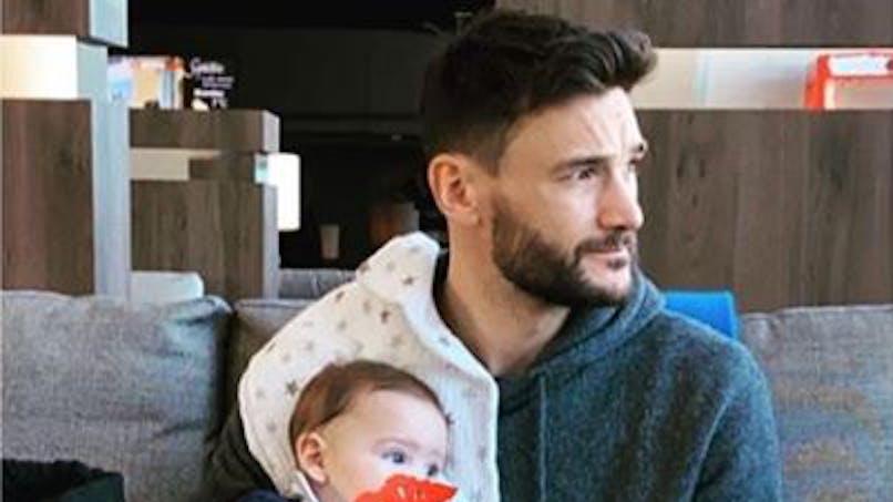 Hugo Lloris papa : son tendre moment avec son bébé, qui rigole ! (vidéo)