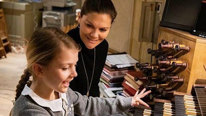 La princesse Victoria de Suède complice avec sa fille Estelle, 7 ans