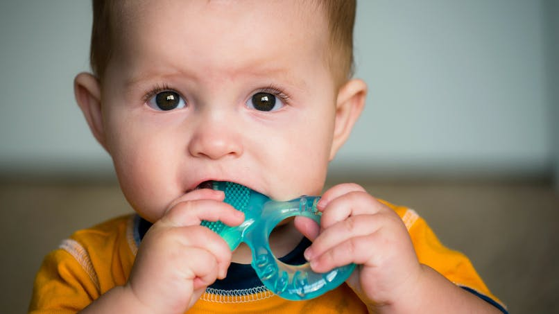 Rappels de produits bébé : des livres de bain, un hochet et un tapis d'éveil