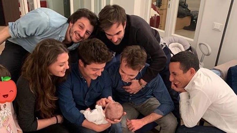 Hugo Clément, Elodie Gossuin, Nabilla, Alanis Morissette... le diapo des people en famille