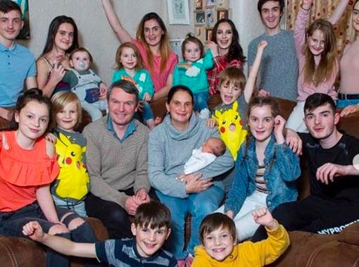 Une anglaise de 44 ans donne naissance à son 22ème enfant