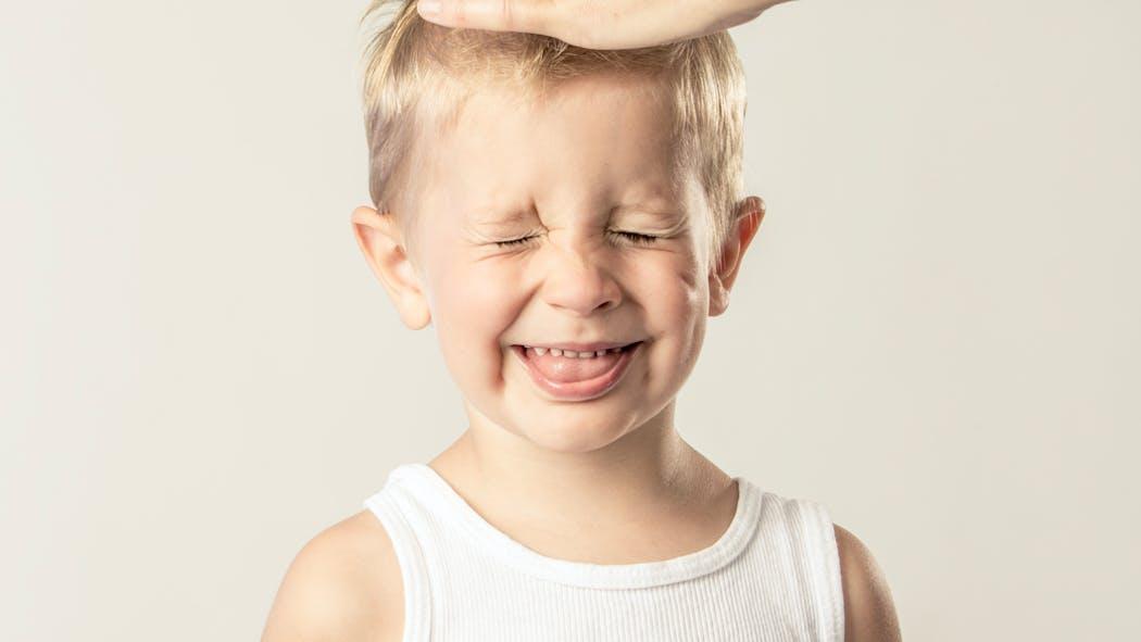 Confinement : comment couper les cheveux d'un petit garçon