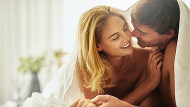 Couple : le Covid-19 est-il transmissible sexuellement ?