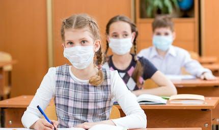 Le Conseil scientifique en faveur du masque obligatoire pour les collégiens et les lycéens