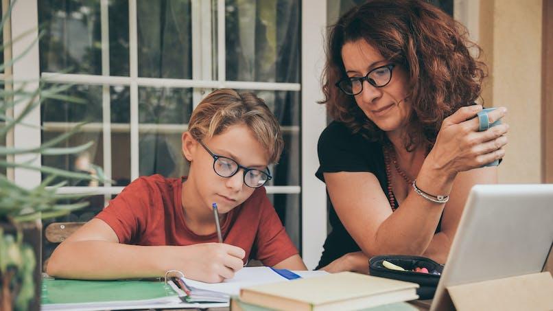 Chômage partiel : les parents devront avoir une attestation de l'école pour continuer à y avoir droit