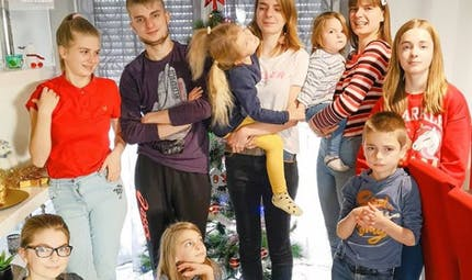 """Le témoignage de Magalie, alias @maman_de 10_loulous sur Instagram : """"Notre famille de dix enfants est une famille normale"""""""