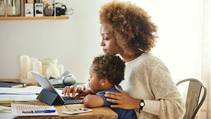 Télétravail : les parents sont plus productifs que les salariés sans enfant