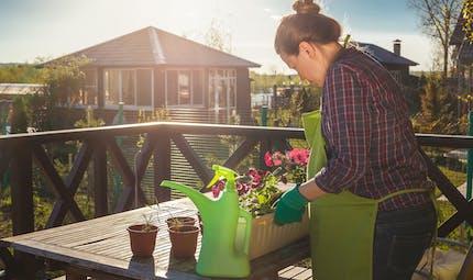 Quelles précautions avant de faire du jardinage enceinte ?