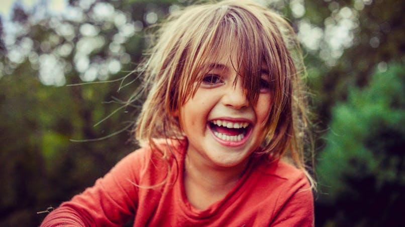 Aider son enfant à bien gérer ses émotions : les trucs de pro