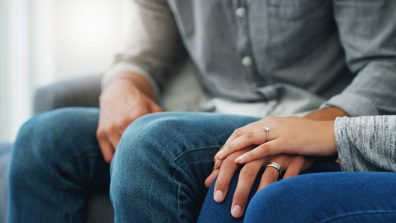 Un couple marié attendait d'avoir un enfant... jusqu'à ce qu'une infirmière leur donne un cours d'éducation sexuelle !