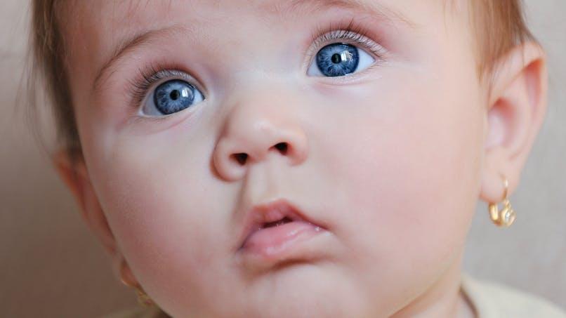 Elle raconte comment sa belle-mère a percé en cachette les oreilles de son bébé