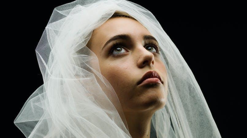 Mariages forcés : une ado de 15 ans lance un SOS à sa fenêtre