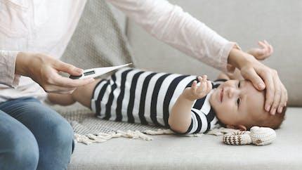 Coronavirus: peu de symptômes chez les bébés atteints, mis à part la fièvre