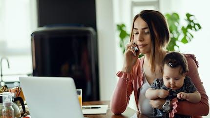 Travail : les femmes qui sont mères ont 60 % de chances en moins d'accéder à un poste à responsabilités