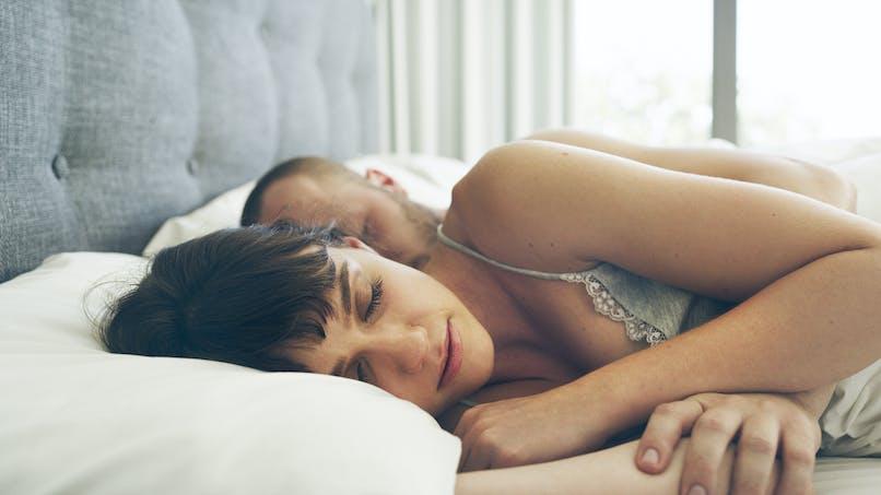 Couple: dormir avec son partenaire est bon pour le sommeil