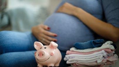 femme enceinte et argent