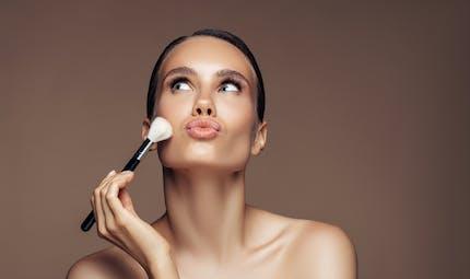 Comment les femmes se maquillent-elles en 2020 ?