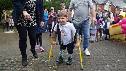 L'incroyable défi que s'est lancé Tony, 5 ans, amputé des deux jambes