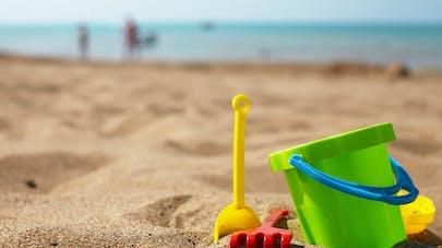 Seau de plages, saucisson, bonbons, pâte à prout : les récents rappels de produits concernant les familles