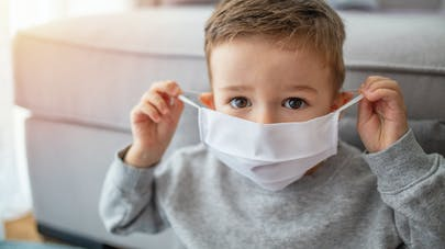Masque obligatoire en lieu clos : et pour les enfants ?