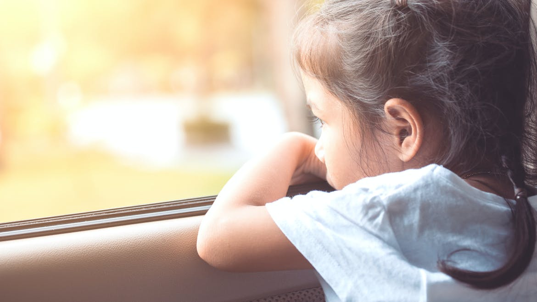 Canicule : une mère laisse ses enfants dans la voiture pour faire ses courses