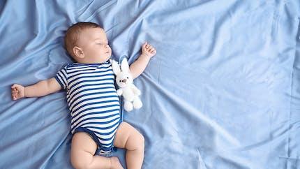Bébé fait du bruit en respirant : le point sur le stridor