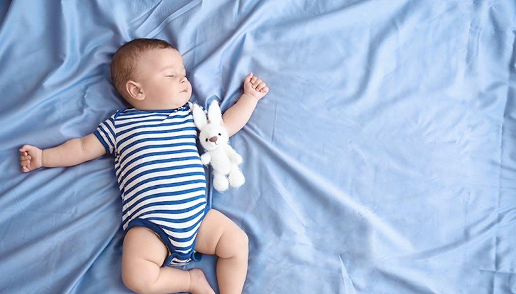 Bébé fait du bruit en respirant : c'est un stridor !